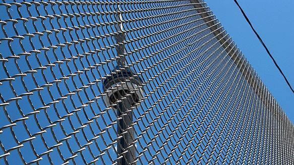 g20-street-fence.jpg
