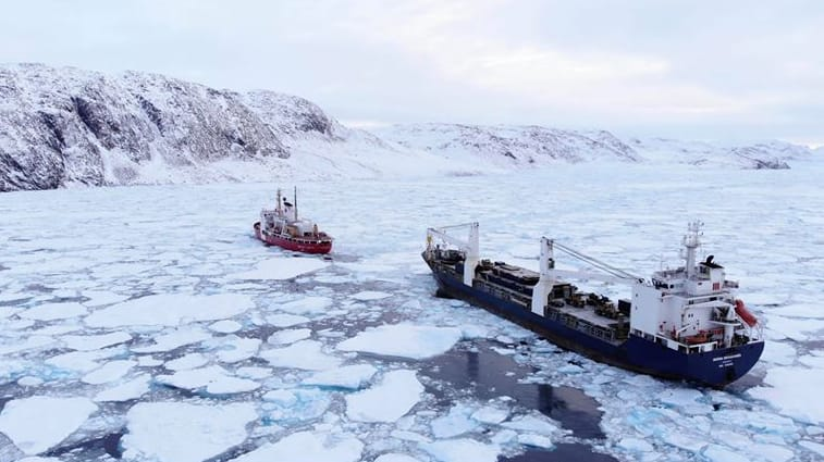 The Sedna Desgagnés trapped in ice in Bellot Strait