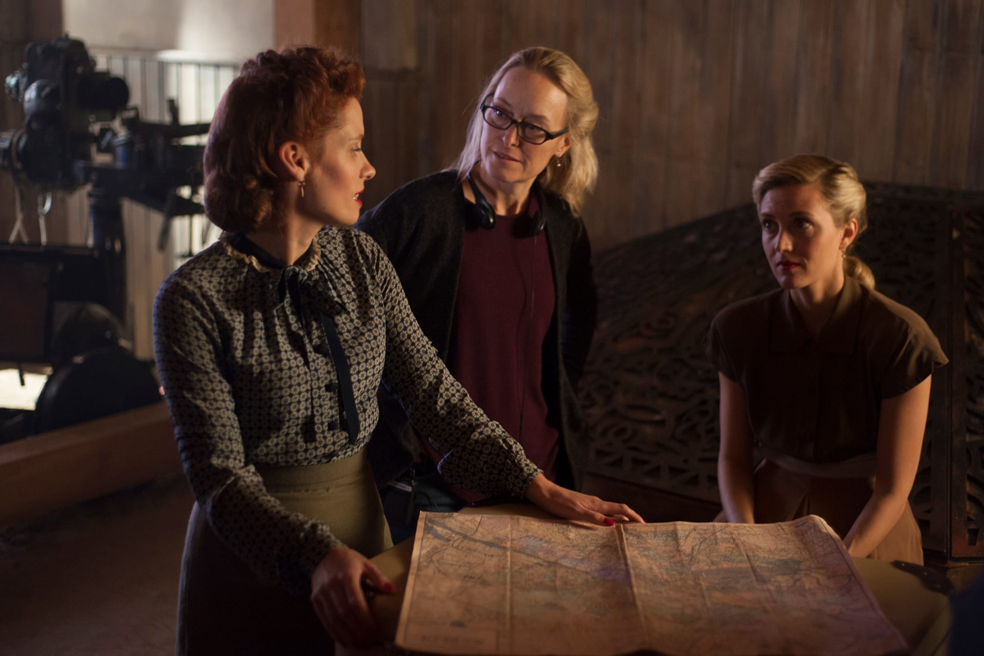 Behind the scenes on the set of X Company Season 3 with Lara Jean Chorostecki (Krystina), Director Stephanie Morgenstern and Evelyne Brochu (Aurora).