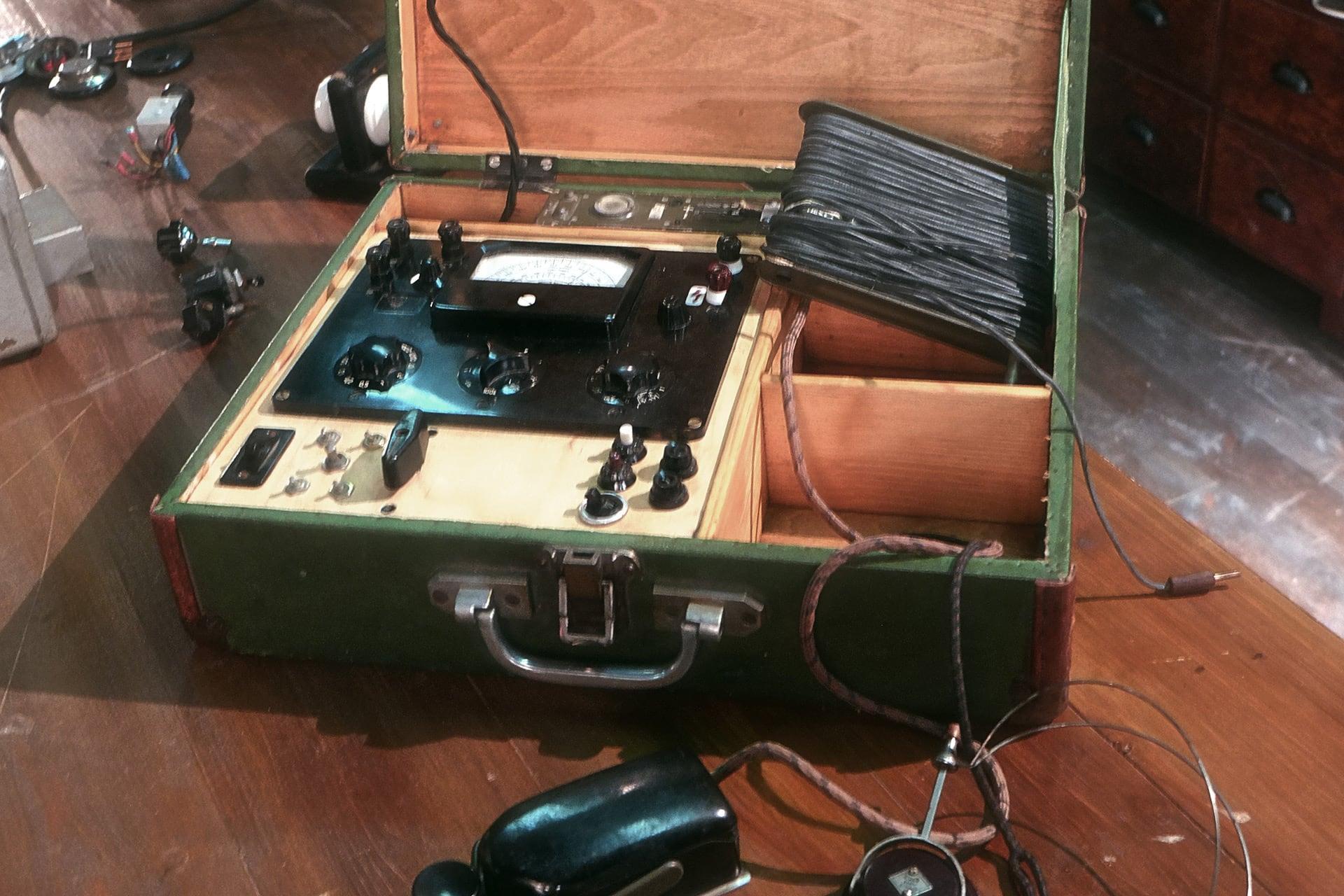 Navigate to Suitcase Radio