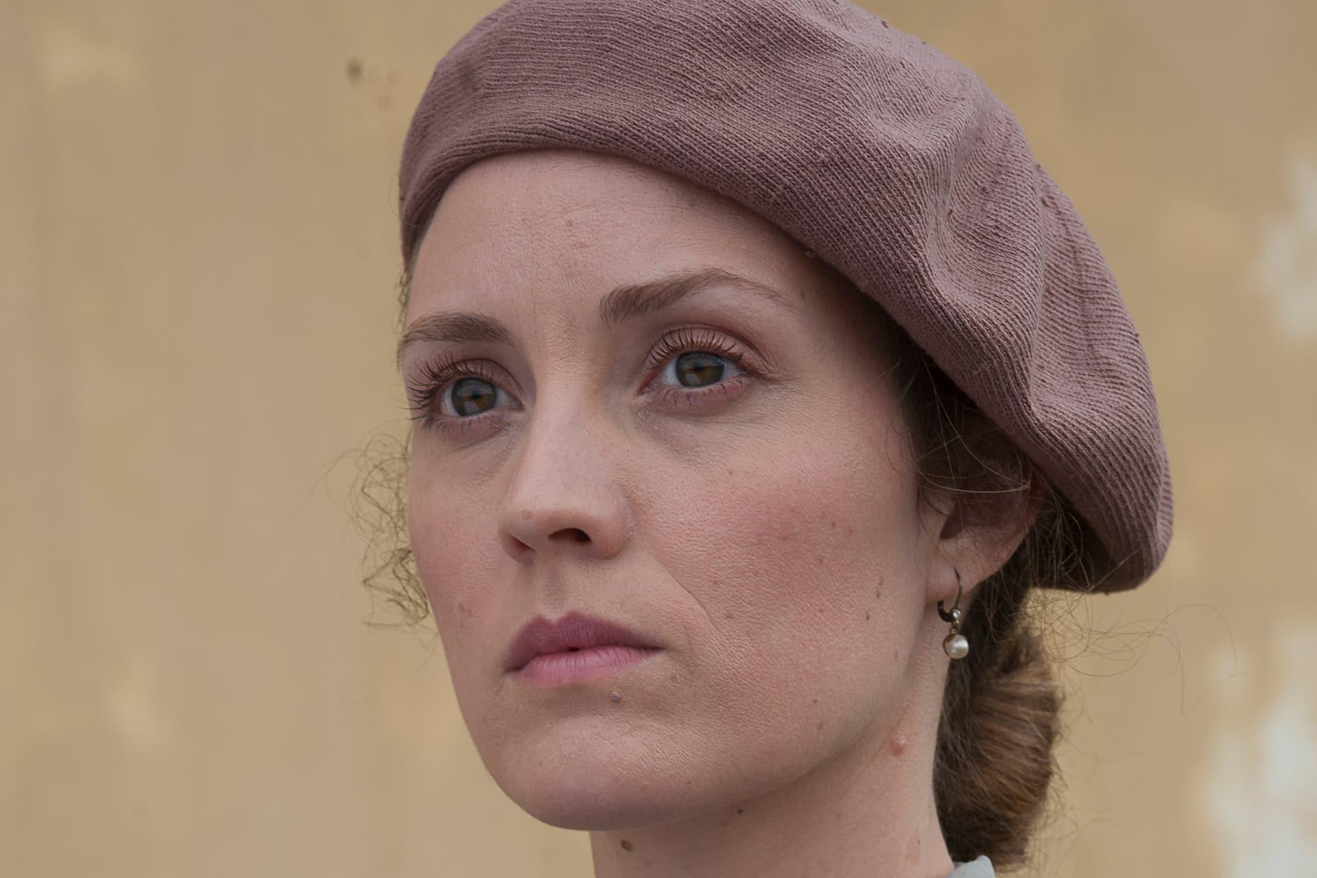 Evelyne Brochu as Aurora.